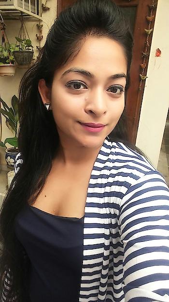 Good morning Roposo Fam!  . #lookoftheday  . #lookgoodfeelgood #fashionquotient #rangoli #ootd #fashiondiaries #selfieoftheday #twinklewithmystyle