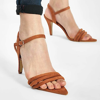 Of suede and comfort 😊😍  .  .  .   #INTOTOs #globaltrends #fashionforall #trending #womenswear #designershoes #trendy #daylook #newcollection #whatshot #shoefie #musthave #elegant #INTOTOxKOOVS #trends #everyday #funky #new #stilettos #weekendwear #stylefile #newshoes #strappys #collegewear #shortheels #kittenheels #minimal #formalwear