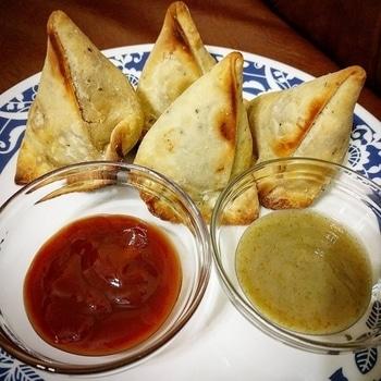 Garma Garam Samose 👩🍳  Follow me on Instagram : https://www.instagram.com/insta_mishty/?hl=en  OR search for insta_mishty on Instagram  Mail me at thepurpletreat@gmail.com  FB page - The Purple Treat  Website link in Bio  #samosa #samosas #snacks #snacksfordays #passionforfood #passionforcooking #foodlover #foodblogger #mycookingstories #mycookingdiaries #happy_me