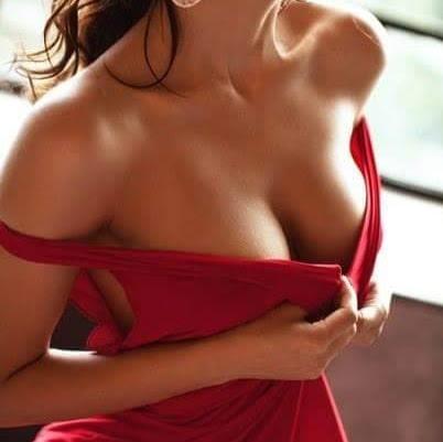 #shorthair #steps #reddress #offshoulder #sexypose #juicy #bigboobs #fashion