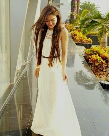Love the way she Styled this dress from LibeRent ❤️ #fashionblogger #liberentgirl #rentfashion #rentdresses #rentgowns #rentnow #whybuywhenyoucanrent #rentfor #preweddingshoot #rentfor #portfolioshoot #chennai #mumbai #bangalore #delhi #pune #kolkata #gowns
