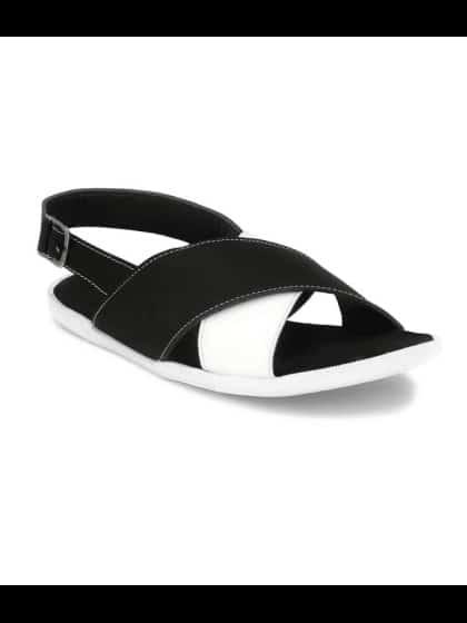 Designer Casualwear Black And White Sandal -Discount Price - 399, Price - 1299 (69%OFF) #fashion , #mens-wear, #mens-ethnic, #men-women, #mens, #stylishlook, #stylewear, #men-branded-shopping, #men-looks, #summer-style, #men-fashion, #men'sboots, #shoesforsale, #shoeformen, #bootsfashion, #bootsmyfav, #bootsinfashion, #mens#menslifestyle, #mens footwear, #mensslipper, #mensslipon