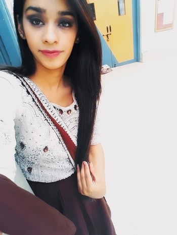 Bein u neva got out of style#smokey#look#plum#shaded#saree#love#slayinstyle ♥️