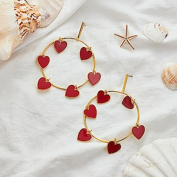 Sugar & Spice and everything nice 🍭🍭 https://www.theredbox.co.in/en/product/sweetheart-earrings/ . . . . . #theredbox #crazysexycool #spiceitup #sugarandspice #everythingnice #earrings #heart #sugar #spicy #shopping #freshlook #newlook #vogueearrings #fashionstatement #accessories #wednesday #lookbook #sugar&spice #shoppingspree #summerlook #freshstock #seasonspecial #stylegram #styledaily #dailypost #celebritystyle #celebstyle #trendy #fashionnova #shopnow