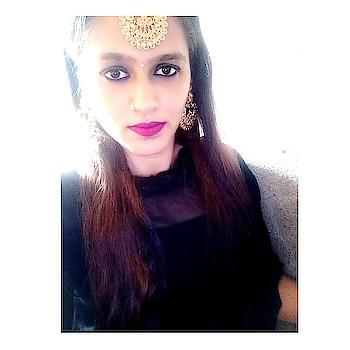 Call it Lohri, Pongal or Sankranti, the festival conveys the same message – the bond of brotherhood and the spirit of oneness should prevail. . . . . #festiveseason #festivelook #makarsakranti #lohri #pongal #indianwear #indianjewellery #earrings #nosering #bindi #blackdress #favrotie #indianfashionblogger #lifestyleblogger #travelblogger #mumbaiblogger #roposoblogger #roposogal #fashionistagrammer #fashionista #love #❤