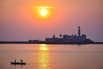 happy Ramazan month  !!! - - #roposo #roposo-fashiondiaries #roposo-good #roposo-mood #roposo-pic #goodvibes #goodvibesonly #travel-diaries #wanderlust-traveller #travelinstyle #roposocontest #captured #beats #hahatv #ropo-bhakti #mumbai #mumbaidiaries #mumbailifestyleblogger #mumbaiigers #mumbaistyle #indiapictures #sea #motivation #soulfulquotes #inspiration