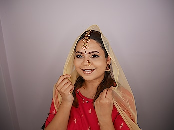 On the 8th day of Navaratri, Goddess Mahagauri is worshipped and this day is also known as Ashtami in the Hindu Calendar  This makeup look will be going live on IGTV soon!  #theleiavblog #youtuber #beautyblogger #indianyoutuber #beautyvlogger #singaporebeautyblog #singaporebeautyblogger #clozette #theleiav #indianbeautyblogger #indianblogger #fashionblogger #navratri #navratri2018