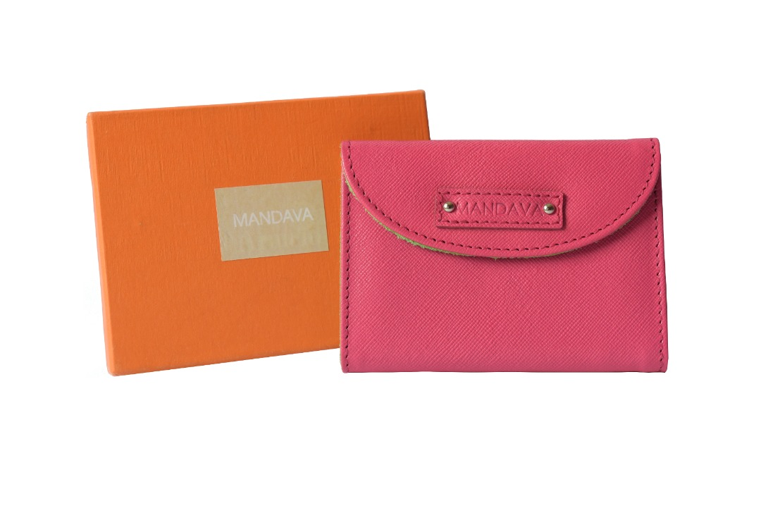 #roposo  #leather  #genuineleather  #red  #purse  #card #cardholder #album #officelook #casual  #fashiondaily  #onlineshopping  #amazon  #paytm #discount  #cool  #summer-style
