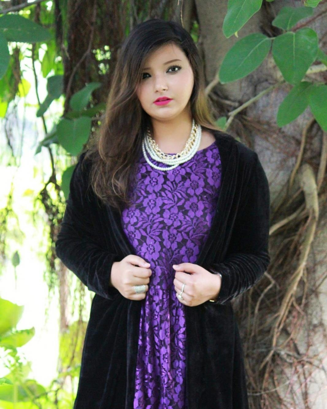   ❤ing layers    There is nothing I love more than a dress layered with shrug/cape. Wearing this beautiful velvet shrug by @lillie_by_ruthie  #layeringstyle #layering #thevelvetvanity  #fashionblogger  #beautyblogger  #lucknowbloggers #lucknowblogger  #soroposo  #galleri5 #instablogger #lucknow_igers #priyamaurya #facebookblogger #ls #roposoblogger  #reviewblogger  #streetstyle #fashion #style #streetstyleblogger #lifestyleblogger  #indianblogger #roposotalks