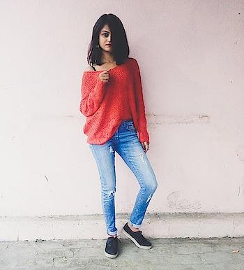 Oversized pehn ke gorom lagche 😂 . . . . #throwback #picturesquare  #tbt  #throwbackthursday  #goromlagche #potdtbt  #potdtbt  #orangeisthenewblack  #denim  #f4f  #forever21  #delhigram  #fashiondiva  #fashion  #fashionblogger  #fashionbombdaily  #old