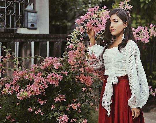 I refuse to be harsh in a world where flowers still grow. #kolkatafashionblogger #fashion-blogger #aestheticshot
