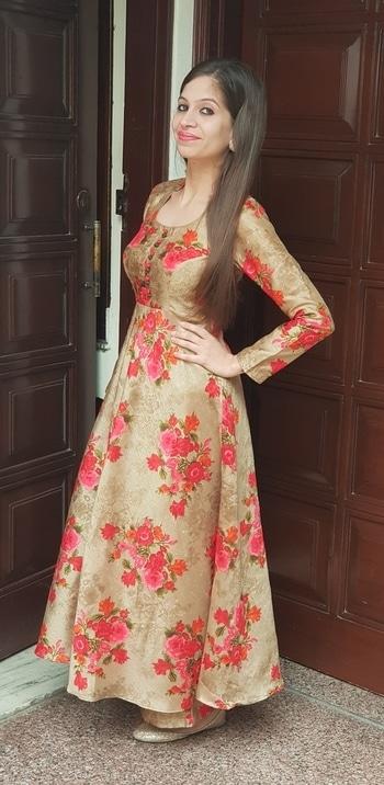 #ootd #whatiworetoday #ethnic #indian #floral #silk #anarakli suit #roposotalenthunt #roposogal