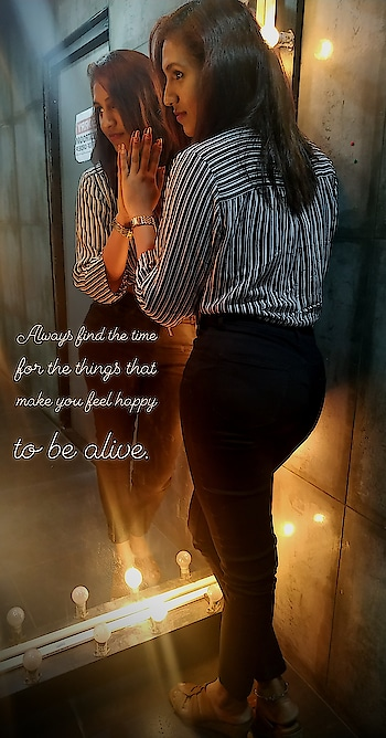 Always find the time for the things that make you feel happy to be alive 😍 #inspiredlook #inspirationalquotes  #lovingit  #outfitpost  #outfitinspiration #roposostar #roposobeauty #roposofashionblogger #sruthibaskar #roposofashiondiaries #motivationalquotes #fashionista