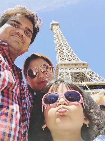 Eiffel tower in Las Vegas was just like the one in Paris was lovely #eiffeltower #lasvegas #family #ootd #zara #macyes #uspolo #roposo #roposodaily #trendyfashion #kids fashion #bloggerfashion #youtuber #usa