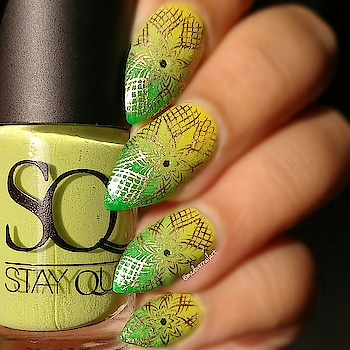 #lookgoodfeelgood #nails #nailart #nail-addict #nail-designs #nailartwow #nailart #nailstamping #stayquirky #bellavoste #bellavosteindia #bellavostenailenamel #stayquirkynailpolish #bornpretty #bornprettystore #bornprettystampingnails