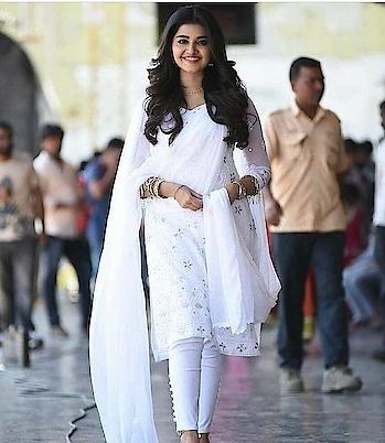 #anupamaparameswaran #whitedress #filmistaanchannel