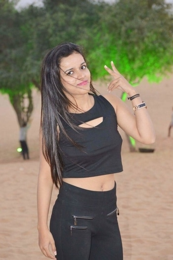 #croptop #blackislove #blackisbeautiful #simplelook #cutenessoverloaded #rajasthan #shootdiaries #hairflying #sand #smileinstyle #misstrend #stayinstyle #picoftheday #pinkcity #pic-click #outfitinspiration
