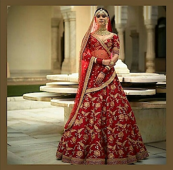 Get this royal Padmavata look.. Call/whatsapp @9899059390 #ethnicity  #royallook  #devicollections #sabyasachidesigns  #bridallehenga  #bridal  #redlehenga  #ethnicwear  #ethnicstyle  #indianwear  #indianwedings  #delhiwedding  #rentlehengas  #rentdresses  #lehengaonline  #lehenga-for-wedding #noida  #delhincr  @abeelacollections