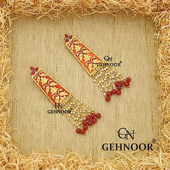 Tassel Earrings with the perfect amount of Meenakari and Pearls! 💕 . These Red Stunners are a definite must have in your Jewellery Collection for those times when you just nerd something Gorgeous to step out in your personal best!❤️ . Can be customized in any color!💜💚💙❤️ . www.gehnoor.com 💻 . FREE SHIPPING anywhere in India 🚙 . Cash On Delivery Available across India 💲 . WhatsApp at 07290853733 📱 . www.facebook.com/Gehnoor/ . gehnoor@gmail.com 📝 . #bride #goldjewellery #kundannecklace #traditionaljewellery #indianbride #photooftheday #instabride #bridalwear #bridaljewellery #tags #like #likeforlike #followfollow #followus #followback #gehnoor #earrings #chandbali #kundan #usa #canada #uk #saudiarabia #uae #meenakari #meenakarijewellery #tasselearrings #tassel #tassels