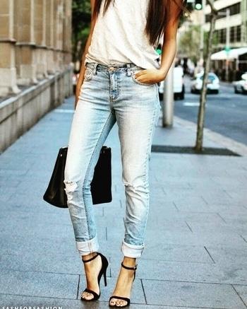 Casual look...  #womensfashion #womensstyle #fashionforwomen #blog #blogger #fashionista #accessoreries #designer #luxury #lifestyle #couture #ootd #picoftheday #dress #shorts #heels #shoes #life #bloging #instablogger #adityathaokar #maleblogger #slay #redcarpet #winterstyle #womensfashion #womensstyle #fashionforwomen #blog #blogger #fashionista #accessoreries #designer #luxury #lifestyle #couture #ootd #picoftheday #dress #shorts #heels #shoes #life #bloging #instablogger #adityathaokar #maleblogger #slay #redcarpet #winterstyle #womensfashion #womensstyle #fashionforwomen #blog #blogger #fashionista #accessoreries #designer #luxury #lifestyle #couture #ootd #picoftheday #dress