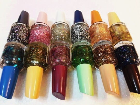 B.O. Nail Lacquer 18ml. Transparant nail lacquer with lots of glittery nail art gem stones perfect for party look. Base lacquer helps strengthen nails and can be apply over your favourite shade for stunning twin effects.  Price Rs.125/- No COD | Shipping Extra For more inquiries whatsapp @ 9825252502 Happy Shopping!!! #nailart