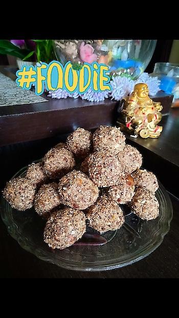 #handmadewithlove #dryfruitladdu #nutritious #nutritionalballs ..