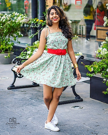 #summeroutfits #kolkatafashionblogger #ig_calcutta #igdaily #igers #blogger #delhifashionblogger #mumbaifashionblogger #floral #portraitphotography #portrait #poser #wonderlust #beachbody #beauty #fashionnova #styleblogger #picoftheday #throwbackthursday #weekendvibes #thursday #loveyourself #she #shein #instamood #instagram #photography