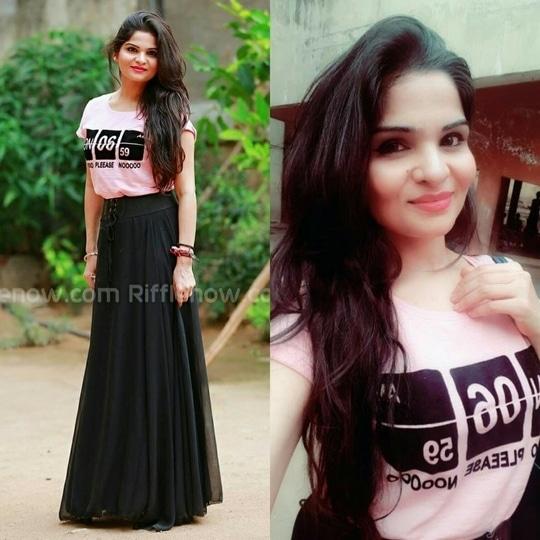 #casual #somethingnew #tee #skirt #tshirt #casualwear #stylingbyanika #imageconsultant #instagood #insta #instafashion #roposogal #ropo-love #roposostylefiles #fblogging #folowmenow #anikamkhara #fashionbloggerindia #hyderabaddiaries #hyderabadblogger #hyderabadfashionblogger