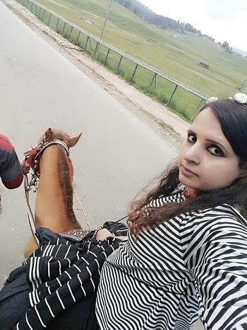 i riding horse to d gulmarg gondola station. #wonderfulhorse #longlastexperience #gulmarg #srinagar #kashmirdiaries