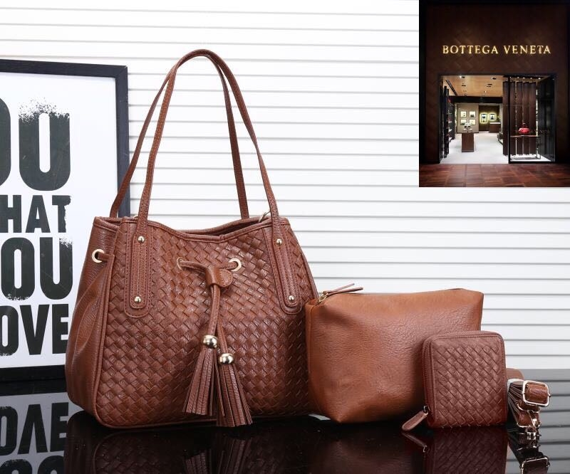 For buy Wats up to 9971200243 😍BOTTEGA VENETA TOTE BAG SET OF 3 pcs 7A quality with complete detailing  available now  ✅BOTTEGA VENETA TOTE BAG  ✅SIDE SLING BAG  ✅ *BOTTEGA VENETA Small Hand wallet*   TOTAL SET OF 3 pcs @ 2400  Shipping extra *