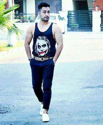 #ropo-love #love-life #roposo-mood #trendingnow #topknot #gabru #be-fashionable #men-fashion