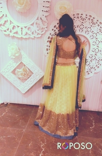 A great figure or physique is nice, but it's self-confidence that makes someone really sexy. #sexyback #lehengacholi #traditional #weddingbells #indianlove #indianlook #traditionallook #wedding #look #summercolors #back #backpose #classy #sexylook #sexy #beautifulmoments #hair #wedding-dress #blogger #styles