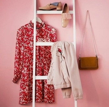 Outfit inspiration for the day #printdress #outfitideas #bomberjacket #valentinesday