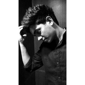 Bcoz its all about keeping calm, in all chaos✔ #shoot #photoshoot #ropososhoot #roposo-style #roposo #roposotalenthunt #blacknwhite-photography #calm #styles #photogram #trendingnow #trendalert2017 #newpic #still