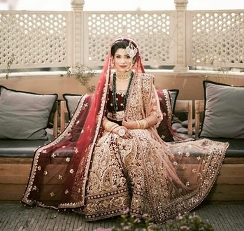Maharani bride all ready for her big day!  Shop for such amazing lehengas & exotic jewellery from WedLista.com  Makeup by: @makeupbyaliyabaig  #WedLista #FashionForWeddings