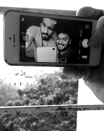 The only way to get better is to surround yourself with people who believe in you. ======================================================================================== . . . #oldtime #examdays #blackandwhite #flashback #happiness #funtime #photography #chill #catching #vibe #journey #roommates #selfie #punediaries #brotherfromanothermother #iphone #positive #friendgoals #bestfriendsforever #chef💯