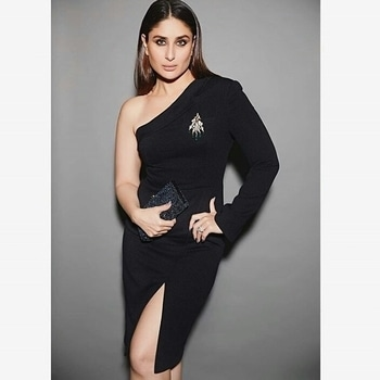 Smoky Black Look ❤❤ . . @ab_cosmetics.in  . . #abcosmetics #kareenakapoorkhan #bollywoodactress #Bollywood #instapic #instago #instagram #instagood #instabollywood #likes4likes