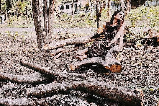Woods . . . . . . #postoftheday #photooftheday #fashionoftheday #fashion #fashionblogger #blogger_de #bloggers #delhiblogger #uttarakhand #travel #travelblogger #brown #aashimalamba #thebasicrebel