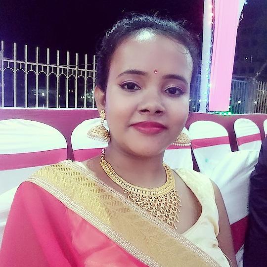 Party makeup #partymakeup #partymakeuplook #wedding-saree #weddingmakeup #redlips #simpleeyemakeup #youtubechannel #indianblogger #summer-style #summermakeup