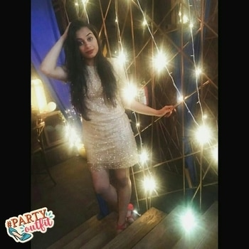 Well Hi there twenties....let's Bling it on!!❤ #roposo #roposodaily #bling #bdaybling #thetrendsetter #roposotalenthunt #voteforme #voteforvote #helpmewin #20th #slaying #medhavikalra #blessed #goodvibesonly #happychild #partyoutfit