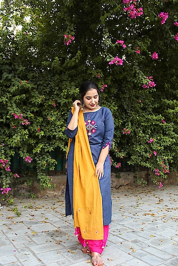 Pairing this long Kurta with a Semi Patiala Salwar and a Mustard Dupatta (to add a neutral tone) .This will be one of my Favorite looks for Festive Season..  #ootd #outfitoftheday #ootdshare #ootdfashion #ootdroposo #ootdmagazine #ootdinspirations #delhifashionbloggers #delhifashion #delhifashionblog
