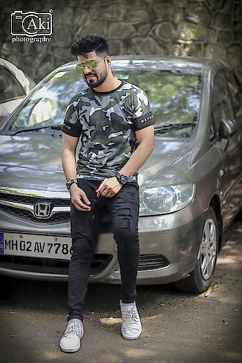 #pose #poser #king #styles #styleblogger #fashion #be-fashionable #iconicirfan @iconic__irfan