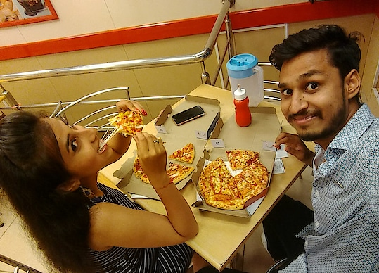Pizza Lovers 😋😍 #pizzalover #dominos