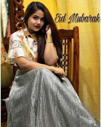 Eid Mubarak Ho!   #eid #eidmubarak #eidoutfit #eid2017 #fashionblogger #styleblogger #blogger #ootd #indianfashionblogger #indianblogger #roposogal #soroposo #roposolove #ethnic #indianoutfit #indowestern #indowesternoutfit #shirts #wiwt #wiw