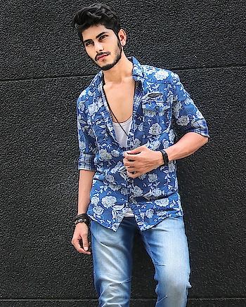 Did you ever tried down buttoned style ? . . . Shot - @thedaydreamstudio . . #tsdfam #tsd #menstagram #shirt #handsome #stylish #maleblogger #guys #gq #mensfashionreview #menwithstreetstyle #menwithstyle #mensclothing #menfashion #mensstyle #menstyle #ootd #WIWT