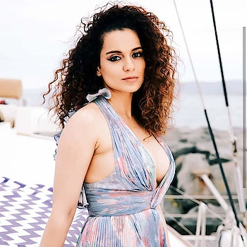 #KanganaRanaut 😍   #BollywoodActress #Bollywood #actress #actresshot