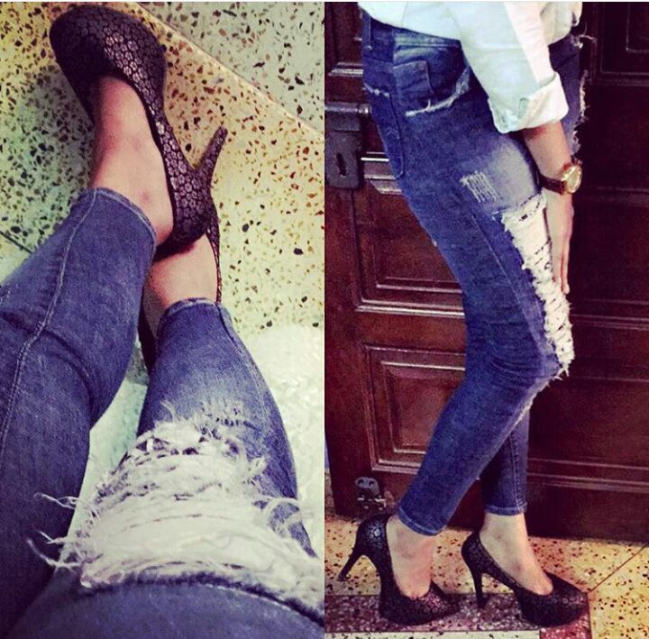 Forever love for ripped jeans and high heels💙