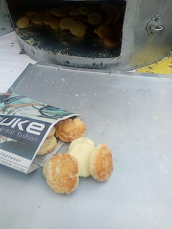 """Nan khatai"" .. butter biscuits... Soo Yummyyy!! ❤️😍😋 #lucknow #biscuits  #butter  #lucknowbakers #lucknowyoutuber #lucknowblogger #bakinglove"