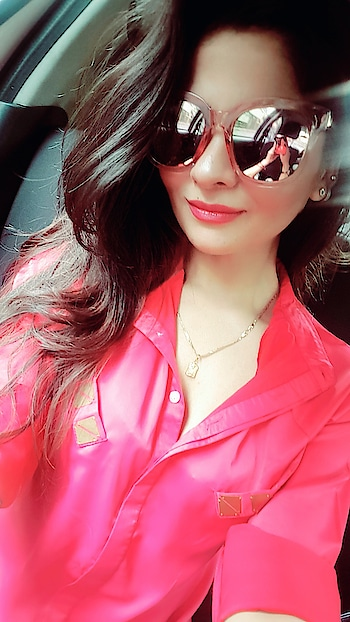 #sunglasses #fashionoftheday #fashion #stylesnapper #stylistafashionss