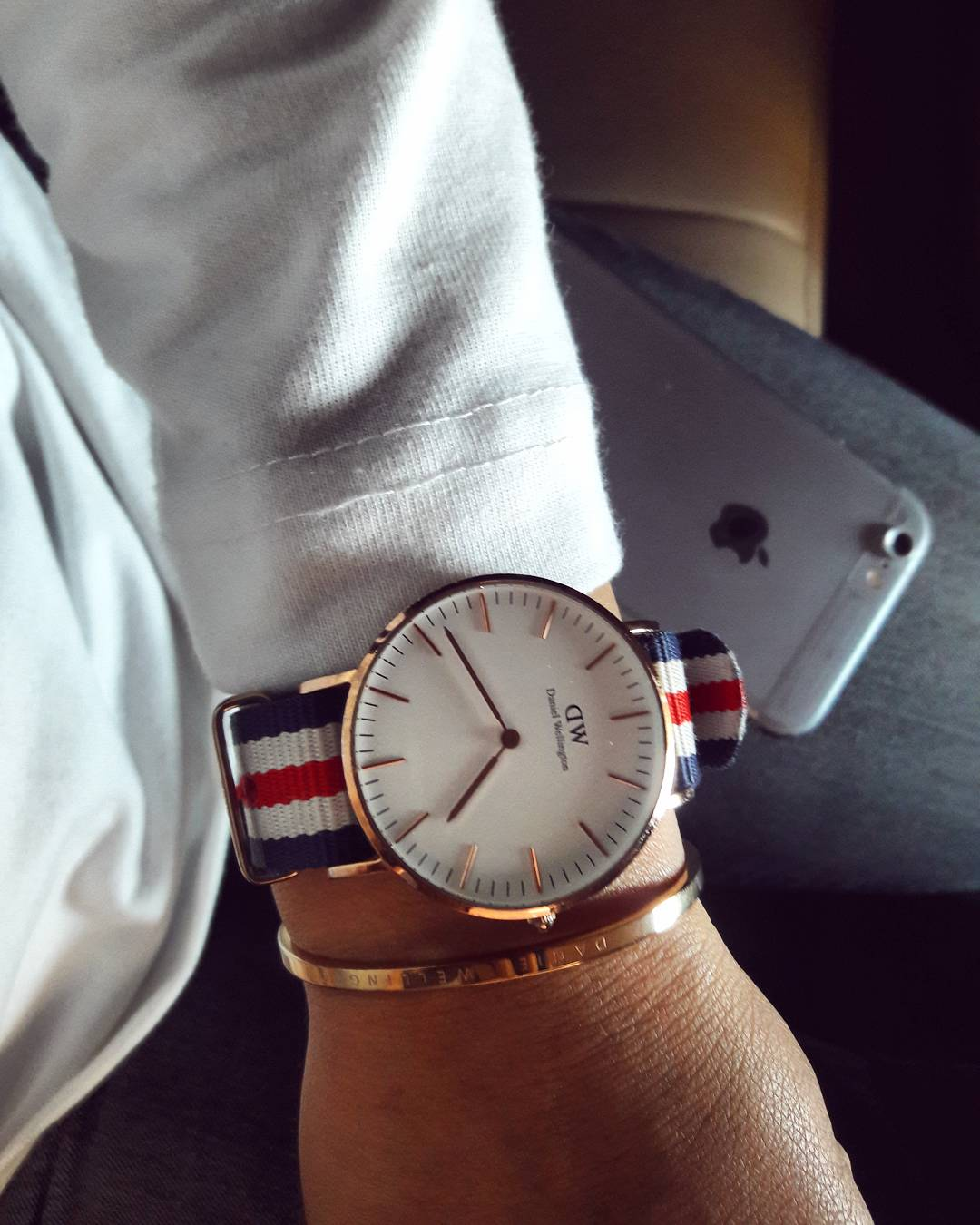 Always started and starting my day with @danielwellington watch and its accessories 😎 #fitdivastyles . . . . . . . #danielwellingtonwatches #danielwellingwatch #danielwellington #dwwatch #dw #watchlover #watchpost #timeismoney #bloggervibes #indianblogger #indianfashionblogger #bloggerstyle #blogger #fashiondiaries #fashionblogger